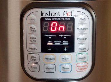 Instant Pot buttons - there are SO MANY! If you own an Instant Pot electric pressure cooker and you want to know what each of the Instant Pot buttons does, this is the resource for you!