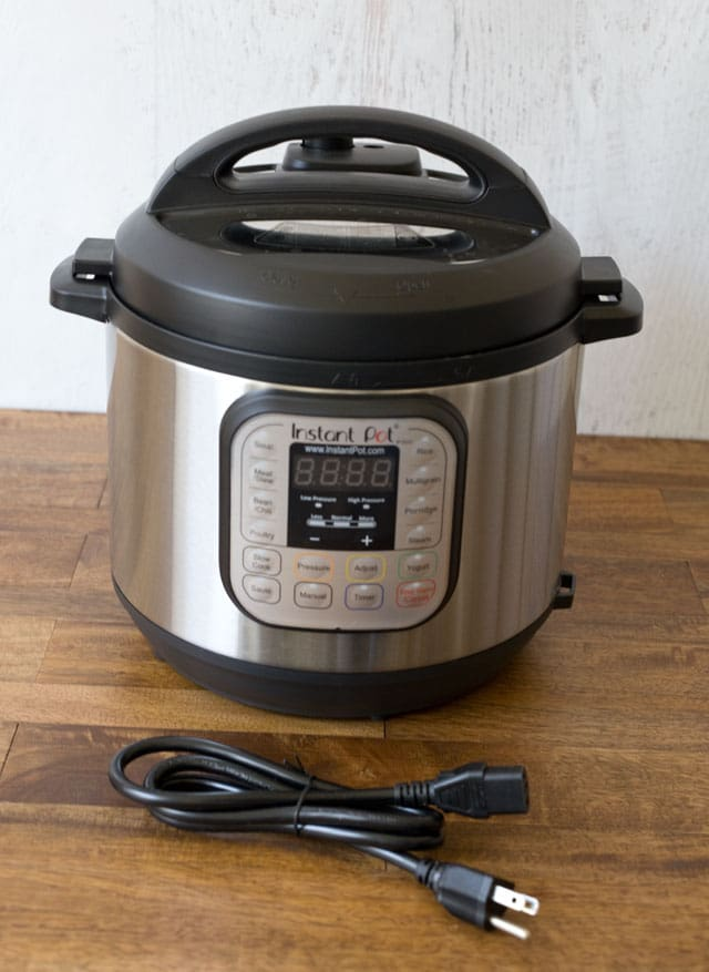 Instant Pot Duo Version 2 with Detachable Cord